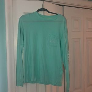 Teal vineyard vines long sleeve T-shirt.